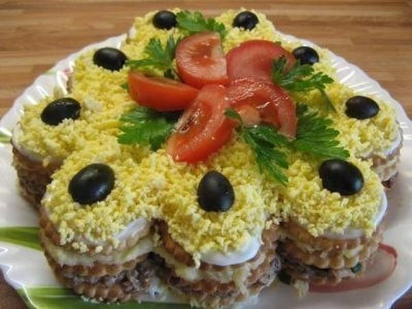 salad-cake-from-crackers