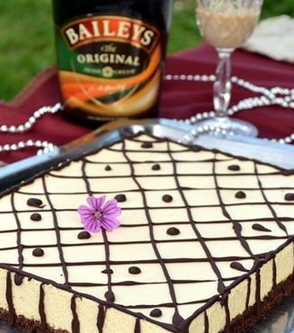 cake-with-brownie-and-mousse-baileys