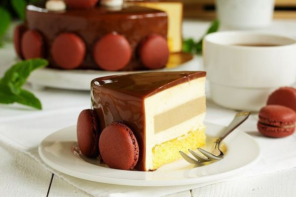 cake-mousse-tiramisu-with-a-mirrored-glaze