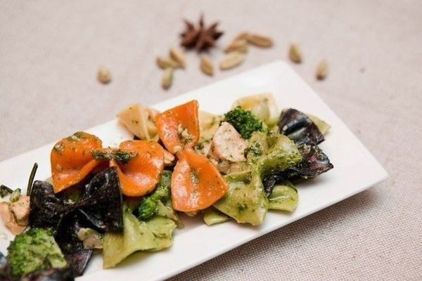 colored-farfalle-with-smoked-salmon