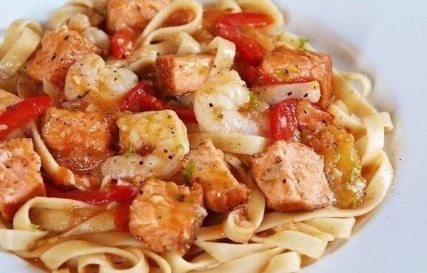 pasta-with-spicy-shrimp-and-salmon-2