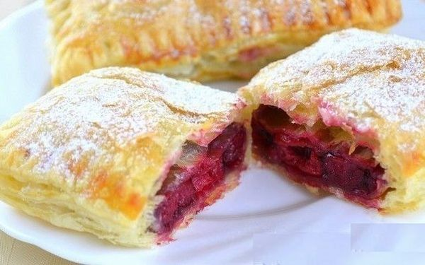 puff-from-ready-made-puff-pastry-stuffed-with-frozen-cherries