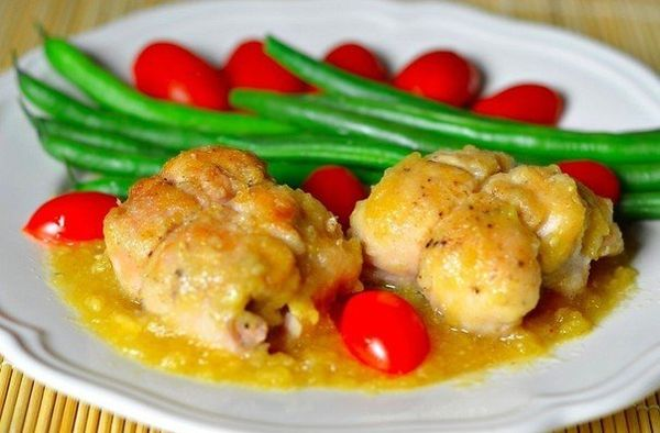 drumstick-chicken-with-cheese-and-pineapple-in-pineapple-sauce