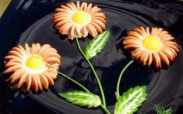 grilled-sausages-daisies