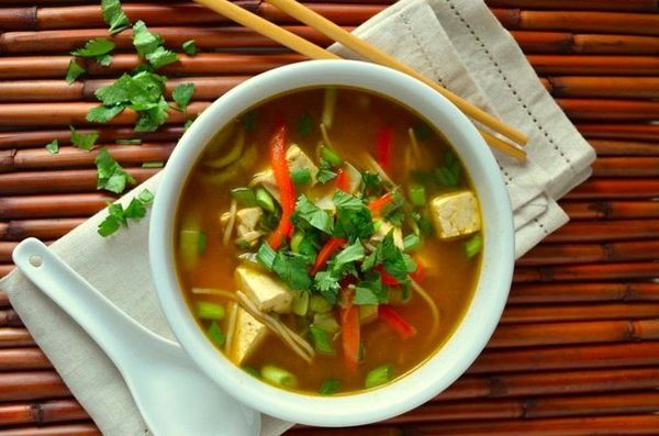 noodle-soup-with-chicken-and-spinach