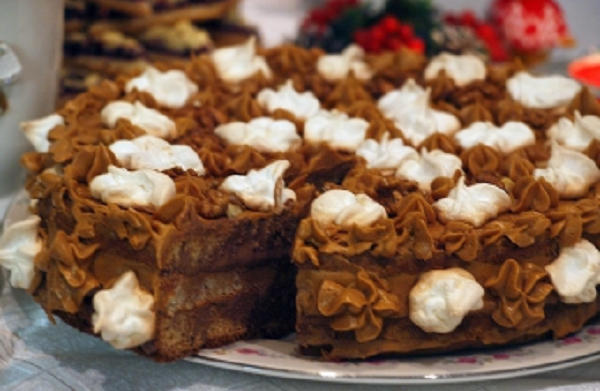 cake-with-walnuts