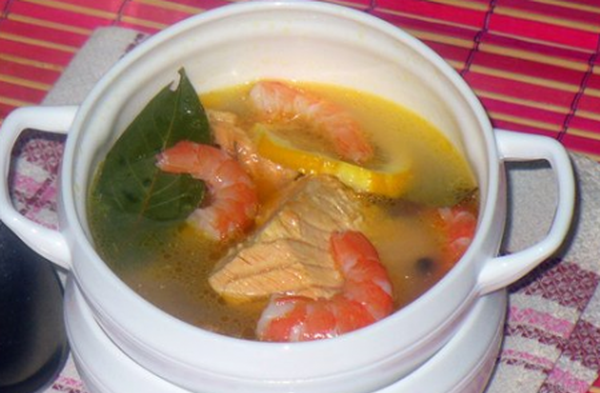 fish-soup-of-trout-with-prawns