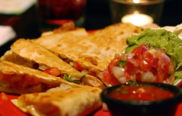 quesadilla-with-chicken-and-emmental