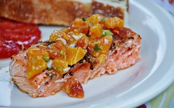 salmon-fillet-with-oranges