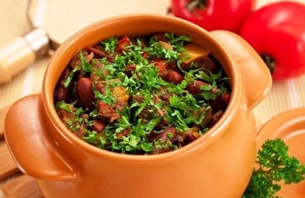 pots-with-meat-beans-and-mushrooms