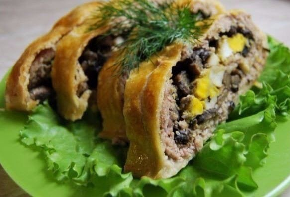 meatloaf-with-mushrooms-baked-in-puff-pastry